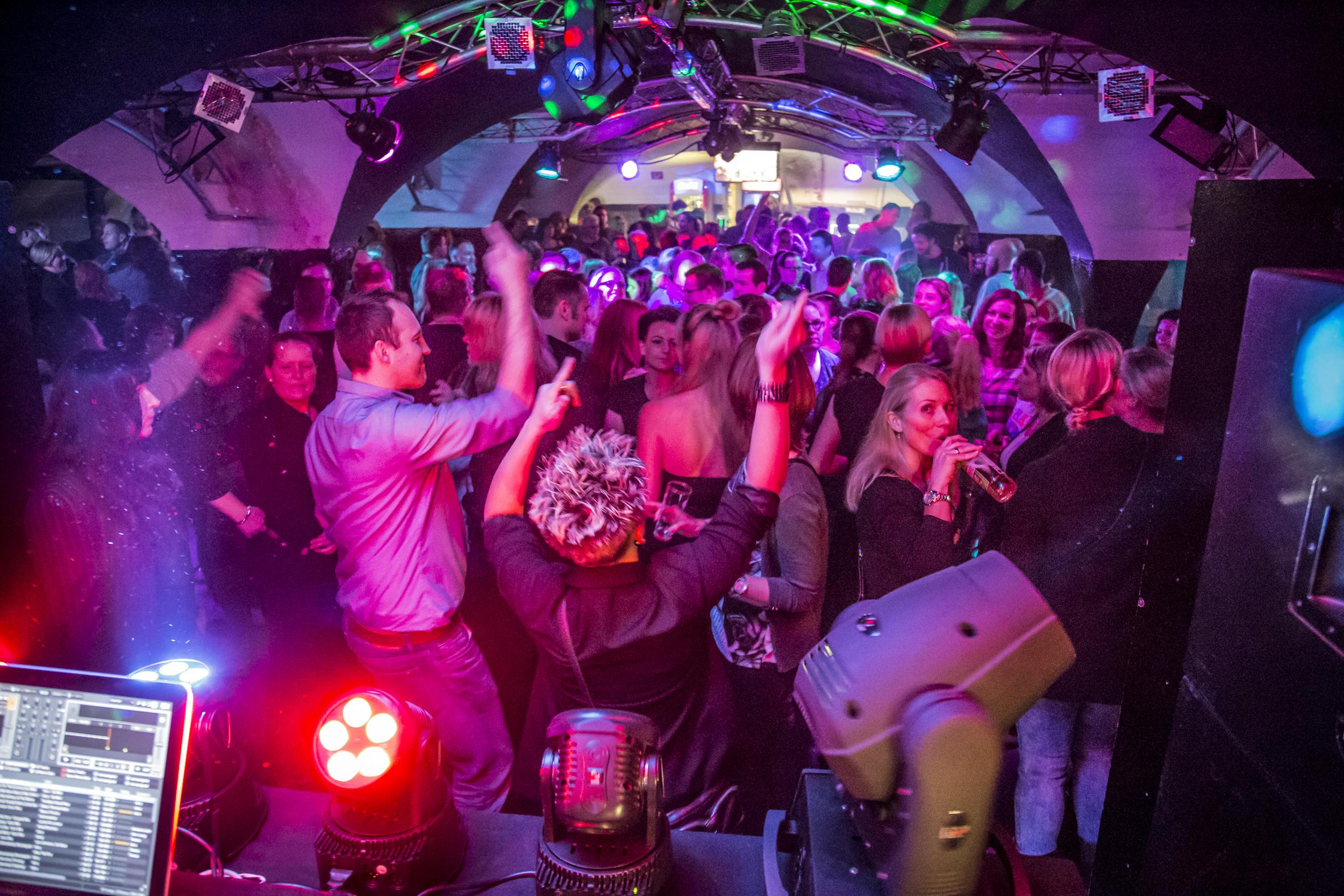 Club Plastique Revival Party Am 16 11 2019 Duisburg Live